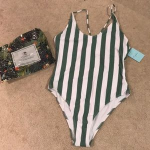 Brand new never worn CupsShe swimsuit!